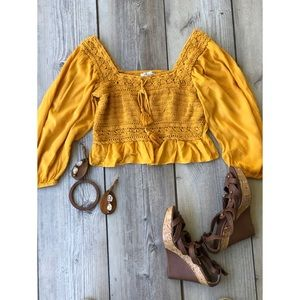 American Eagle Crop Top Size Small